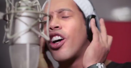 Ronaldinho ataca de cantor em música das Paralimpíadas; ouça