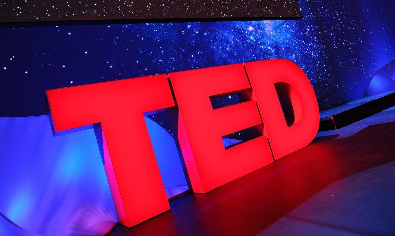 5 TED Talks para aprender a falar melhor em público