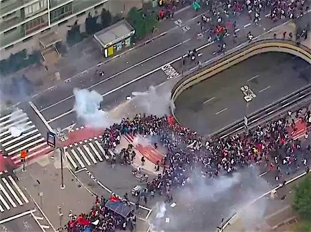 Vista aérea de uma manifestação