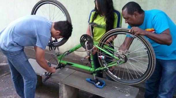 A bicicleta também alerta familiares e o Samu em caso de acidentes