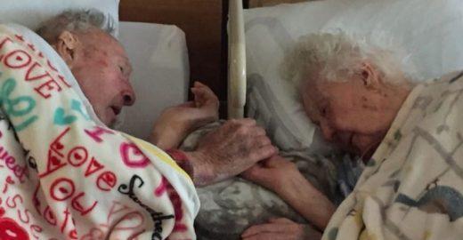 Os últimos momentos da vida deste casal foram de mãos dadas