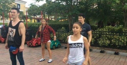 Ginastas brasileiros dançam e arrasam na Disney