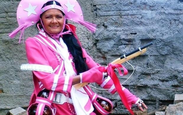 Maria Dorotéia como a cangaceira rosa: fonte de informação e inspiração contra o câncer