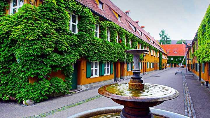 Resultado de imagem para Fuggerei, in Augsburg