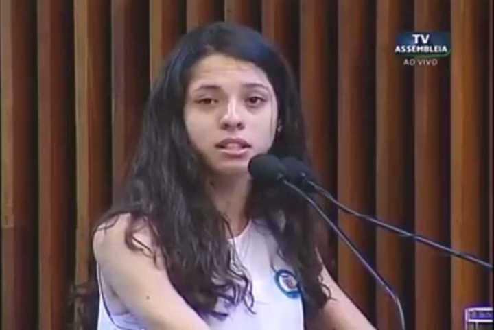 Ana Julia, a jovem que foi a voz das ocupações estudantis em 2016