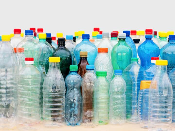 Alguns compostos químicos das garrafas plásticas podem aumentar o risco de diabetes, obesidade e alguns tipos de câncer