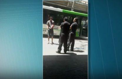Metrô demite segurança e afasta outro por agressão em SP