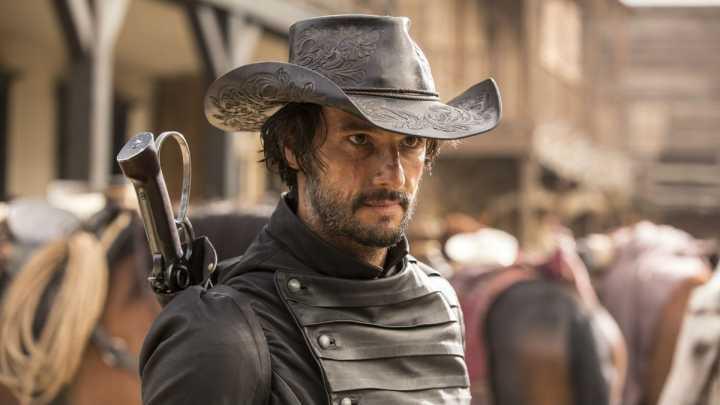 "Rodrigo Santoro em ""Westworld"""