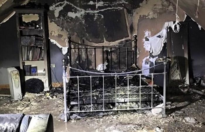 Quarto foi inteiramente destruído pelas chamas.