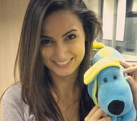 Aos 27 anos, a jovem jornalista ganha destaque na emissora