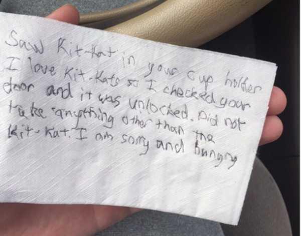 Bilhete deixado no carro do estudante