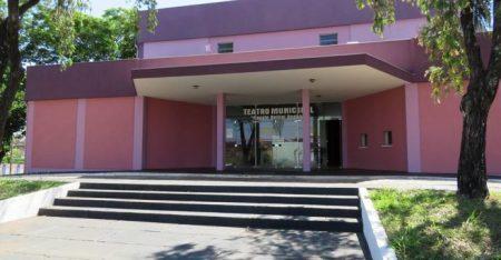 Sem dinheiro nos cofres públicos,  Teatro Fausto Bellini Degani tem apoio da população para receber espetáculos e outras atividades