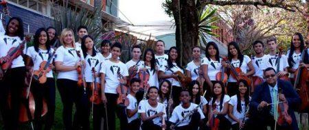 Música clássica é usada como ferramenta de empoderamento de jovens em Betim (MG)