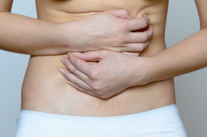 Inchaço pode deixar o corpo com 5 kg a mais em apenas um dia