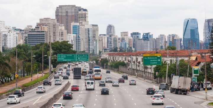 A gestão do prefeito recorreu da decisão que impede o aumento da velocidade nas marginais