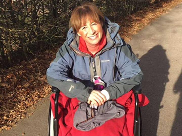 Claire Cunningham fez um tratamento de imunoterapia na Alemanha