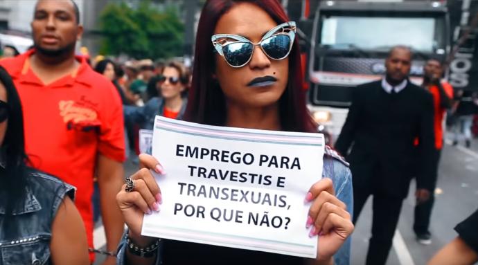 'Emprego pra travestis e transexuais, por que não?', é o questionamento do filme