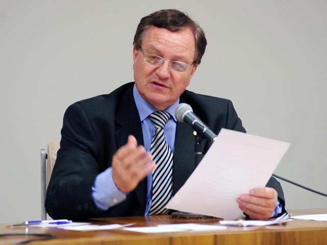 O deputado Valdir Colatto