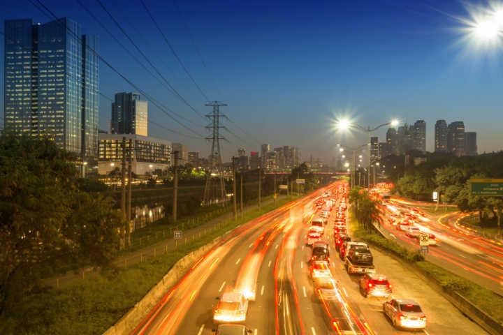 Dados da CET mostram que as mortes nas marginais Tietê e Pinheiros caíram 54% em 2016