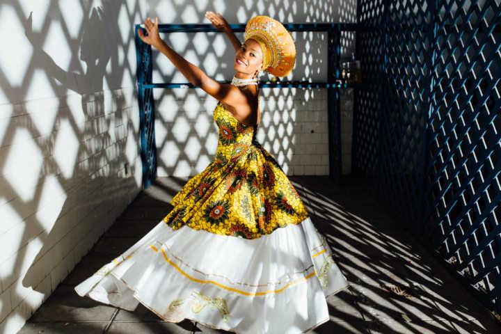 A bailarina, coreógrafa no Rio Maracatu e professora de dança Aline Valentim