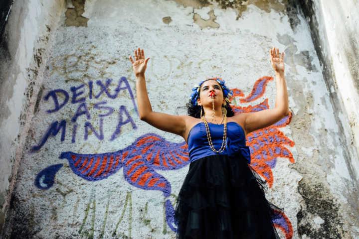 A carnavalesca _ e musicista, multi-instrumentista e educadora musical _ Thais Bezerra