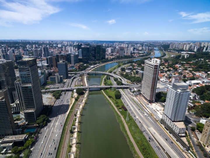 Vista aérea da marginal Pinheiros, em São Paulo