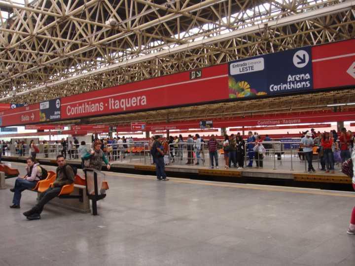 O descarrilamento ocorreu próximo à Estação Corinthians-Itaquera