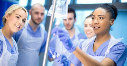 Universidades que oferecem descontos em cursos de enfermagem