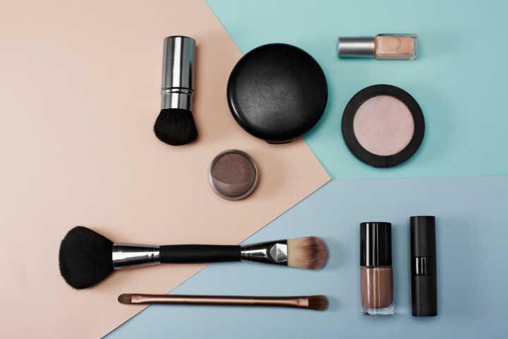 Outlet de maquiagem da Avon tem produtos a partir de R$ 3,29