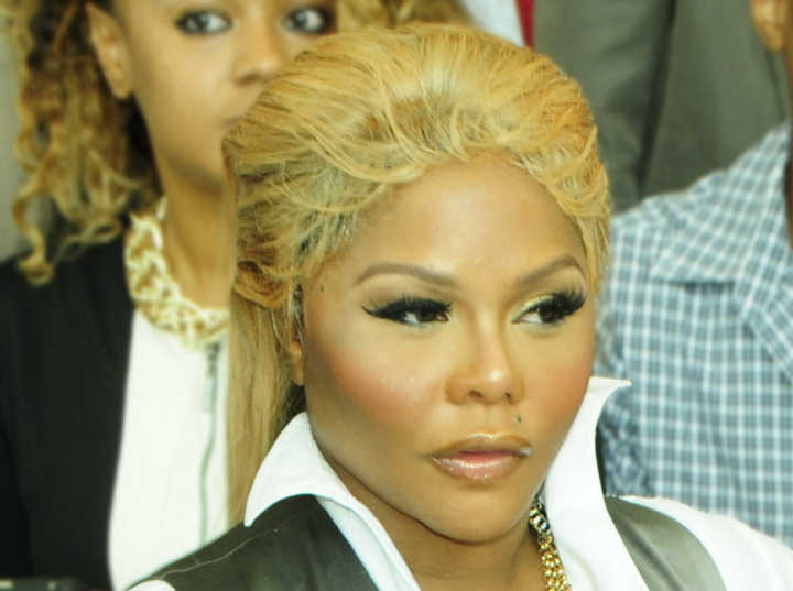 Lil' Kim Looks Unrecognizable After Shocking Transformation