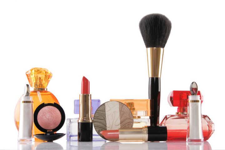 Promoção em loja virtual da Avon tem produtos a partir de R$ 3,49