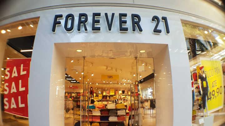 15a4438b6b9 Fachada da loja da Forever 21 no Catarina Fashion Outlet