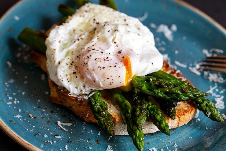 Outra boa pedida é o ovo poché que preserva todos os nutrientes