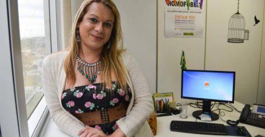 Travesti é eleita presidenta de associação LGBT pela primeira vez