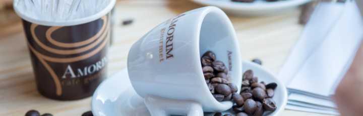 Café Amorim: café torrado em grãos 250g por R$ 20; e café torrado e moído 500g por R$ 25