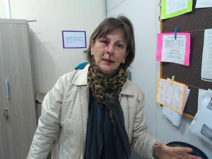 Após agressão, professora é vítima de ataques de ódio na internet