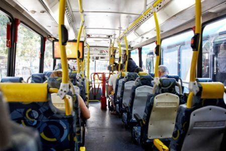Jovem é vítima de assédio sexual dentro de ônibus no DF