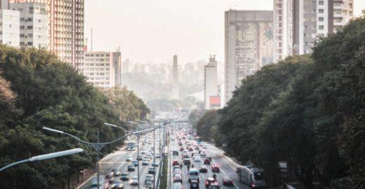 Greve dos caminhoneiros diminui pela metade poluição de SP