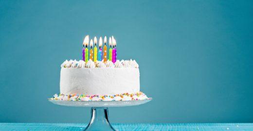 Tema de bolo de festa de aniversário vira discussão no WhatsApp