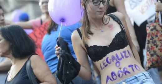 Votação da PEC que pode barrar aborto é adiada mais uma vez