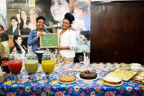 Ana Lima e Evelin Novaes são empreendedoras e  tocam a Fábrica da Preta oferecendo deliciosos sanduíches naturais, sucos criativos e doces integrais