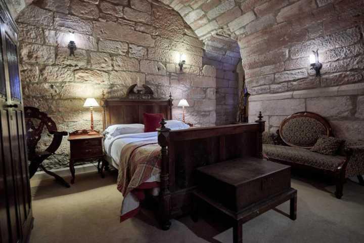 Rooms: Uma Noite De Rei: 6 Castelos Na Escócia Que Viraram Hotéis
