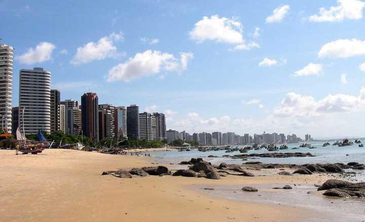 Vista da praia de Mucuripe, na orla de Fortaleza