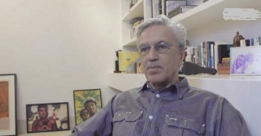 Acusado de pedofilia, Caetano processa Alexandre Frota e MBL