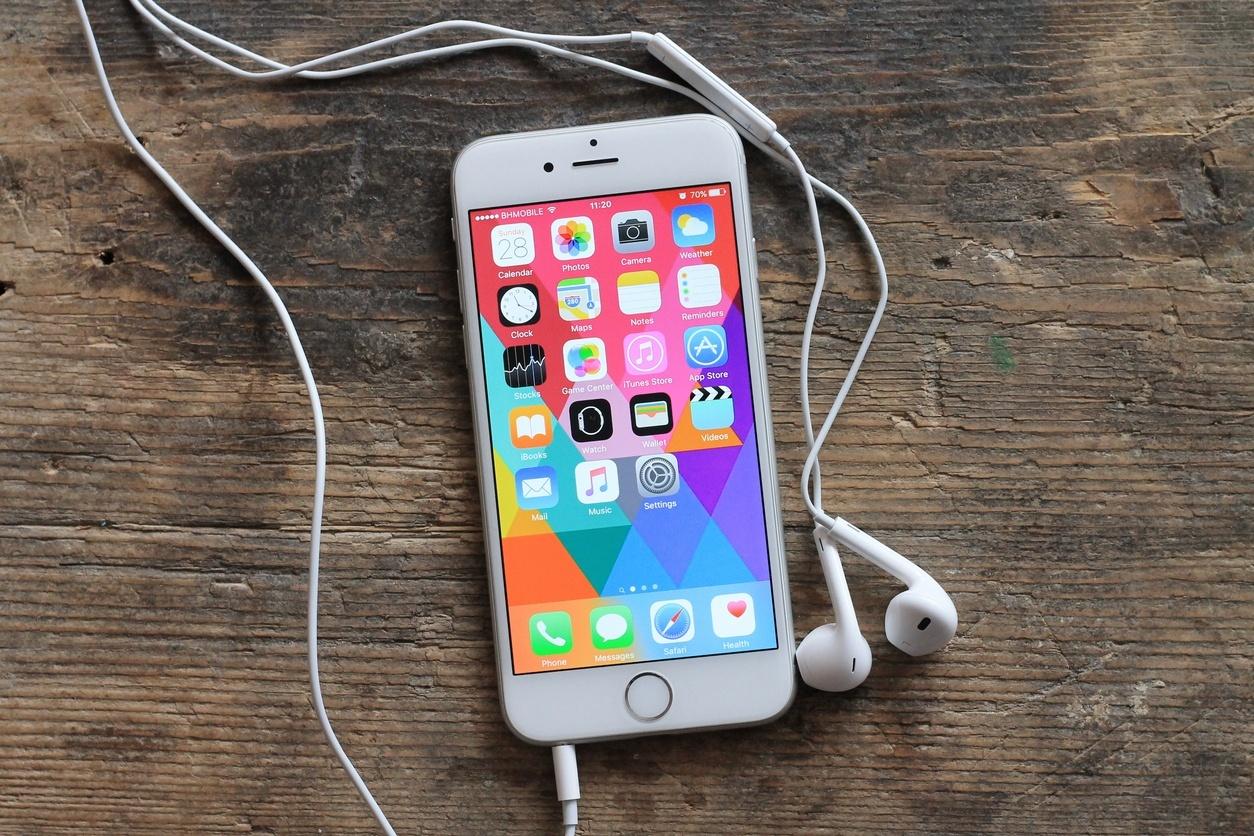7b86e800d6a Loja online tem iPhones seminovos a partir de R  319