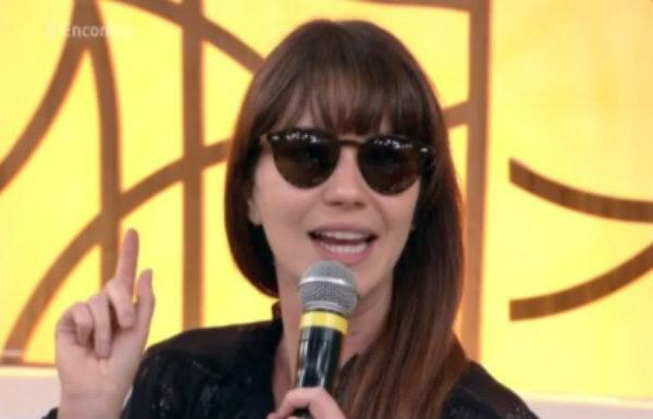 64d15a61c Nathalia Dill revela motivo de usar óculos escuros no 'Encontro'