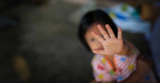 Criança de 9 anos engravida do padrasto e não pode abortar