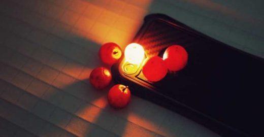 Aprenda truques muito legais com a lanterna do smartphone!