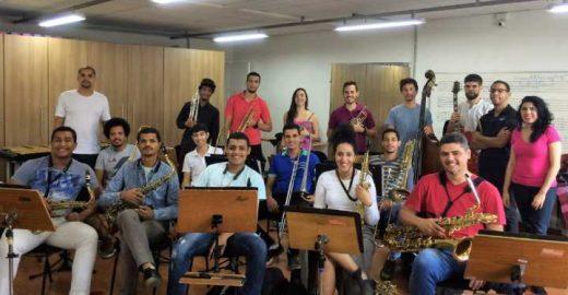 Homenagem a Tom Jobim no aniversário de São Paulo