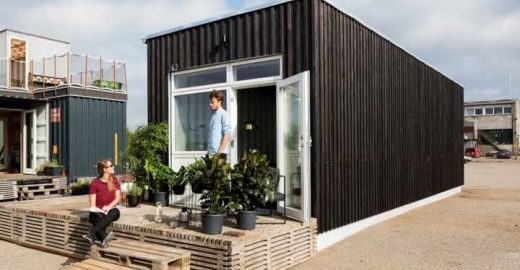 Vila universitária é construída com contêineres reciclados